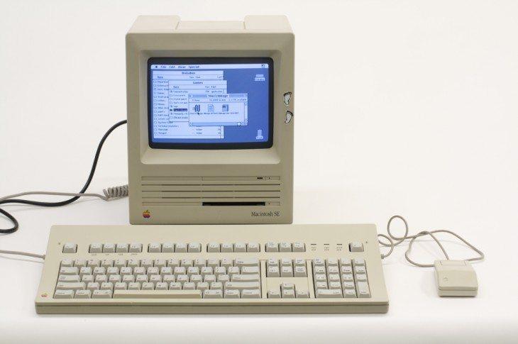 Apple Mac 1mb Ram, Floppy Disc, Mono Display